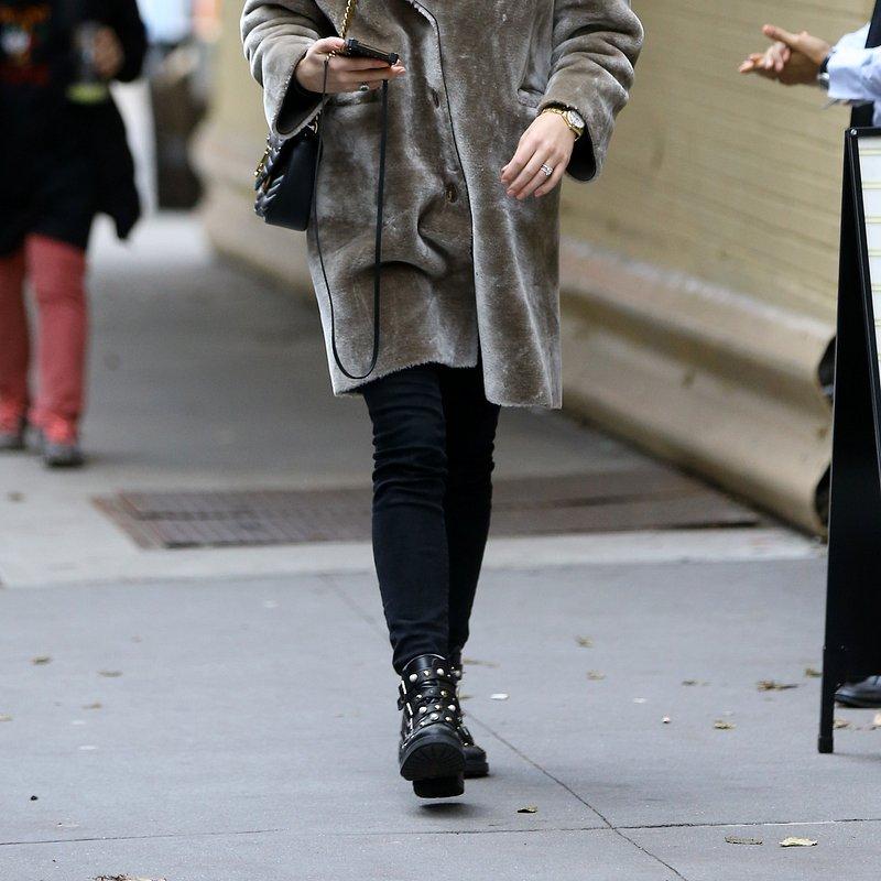 Sophie Turner MANGO coat in NY II.jpg