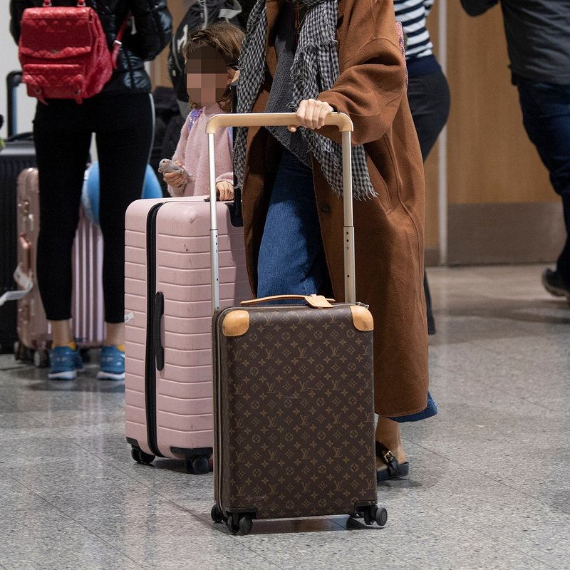 Actress Sienna Miller at Heathrow Airport -- Rights from 02012019 PR+SM WW .jpg