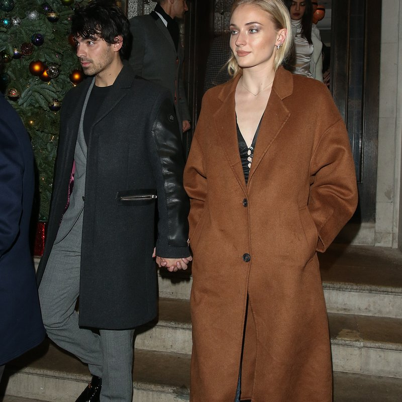 Sophie Turner Mango coat in London - Rights from 02012019 PR+SM WW.JPG
