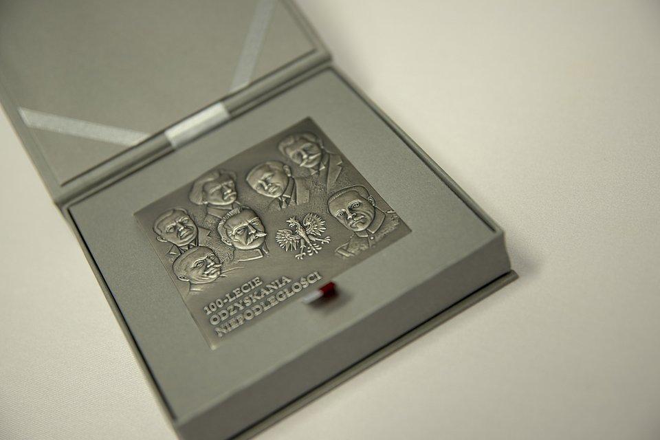 Medal-100lecia.jpg
