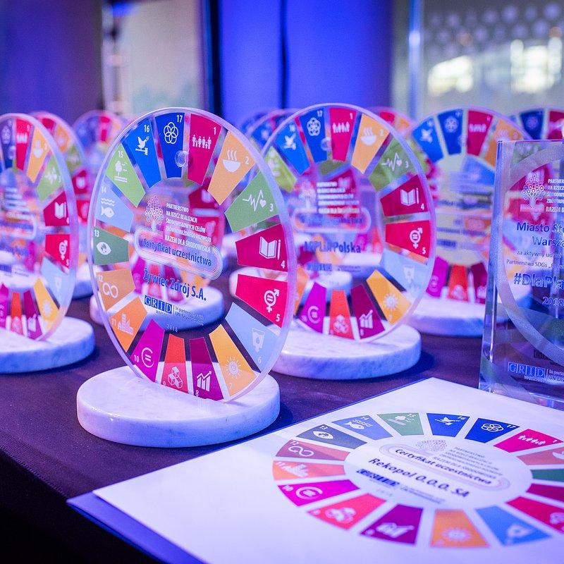 Ceramika-Paradyz-z-certyfikatem-czlonkostwa-w-Partnerstwie-SDGs-Fot.1.jpg