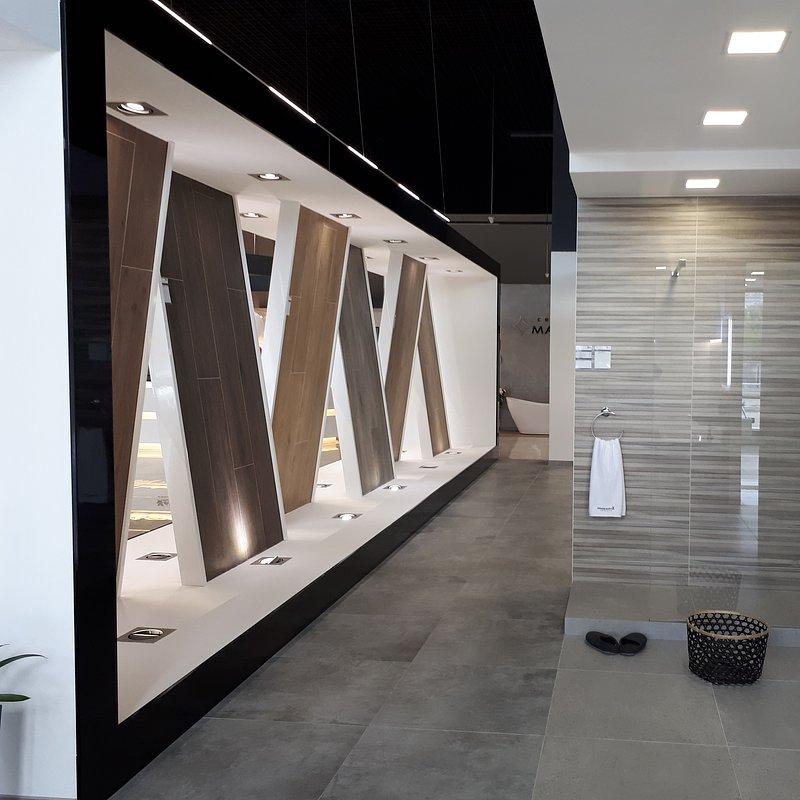 produkty-ceramiki-paradyz-w-nowym-salonie-w-kijowie-4.jpg