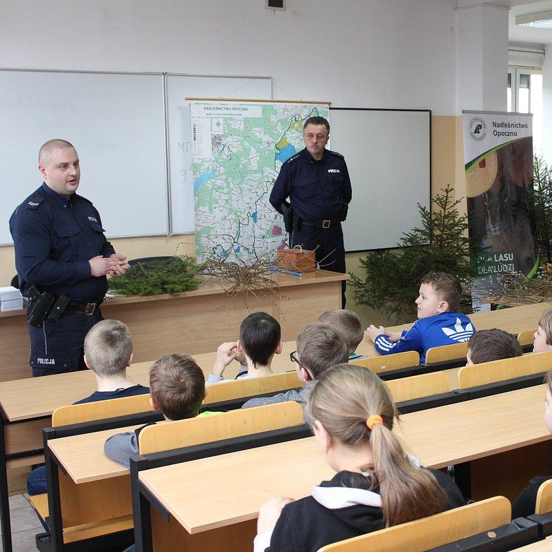 2018-03-19_Ceramika-Paradyz-wspiera-edukacyjna-akcje-opoczynskiej-policji-270-27548.jpg