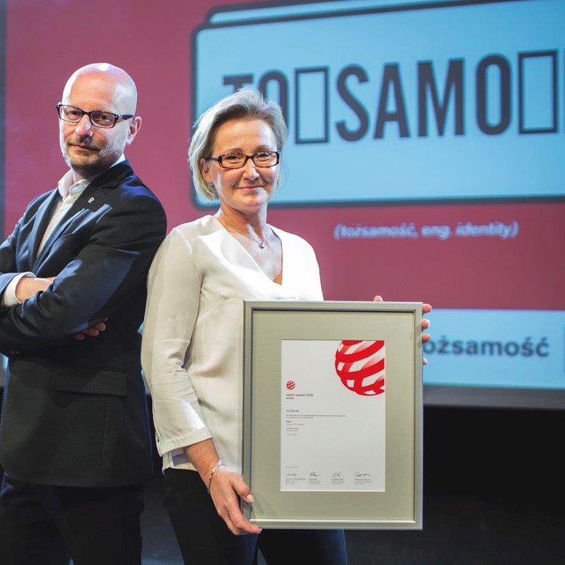 Rafał Domaradzki i Beata Dela podczas wykładu_Red Dot - Oscar Designu.jpg