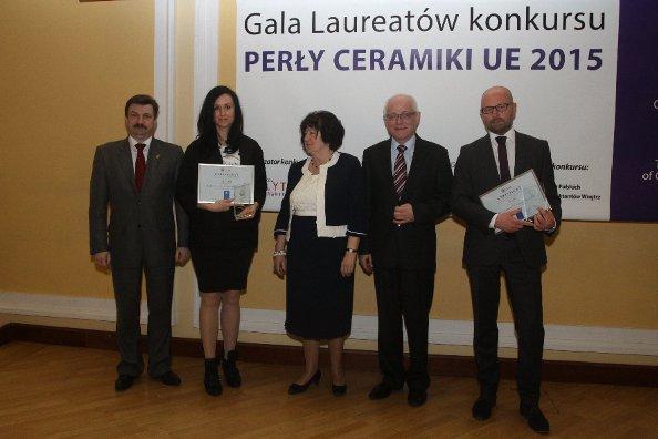 Przedstawiciele Grupy Paradyż - Anna Zalas i Rafał Domaradzki na rozdaniu nagród.jpg