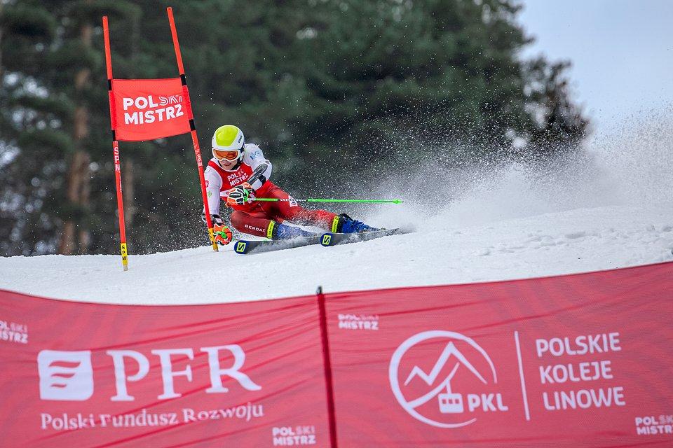 Szymon Bębenek w czasie zawodów FIS w ośrodku PKL Palenica