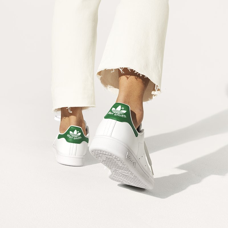 +PR-adidas_SS21_StanSmith_FX5502_OnFoot_Female_1.jpg