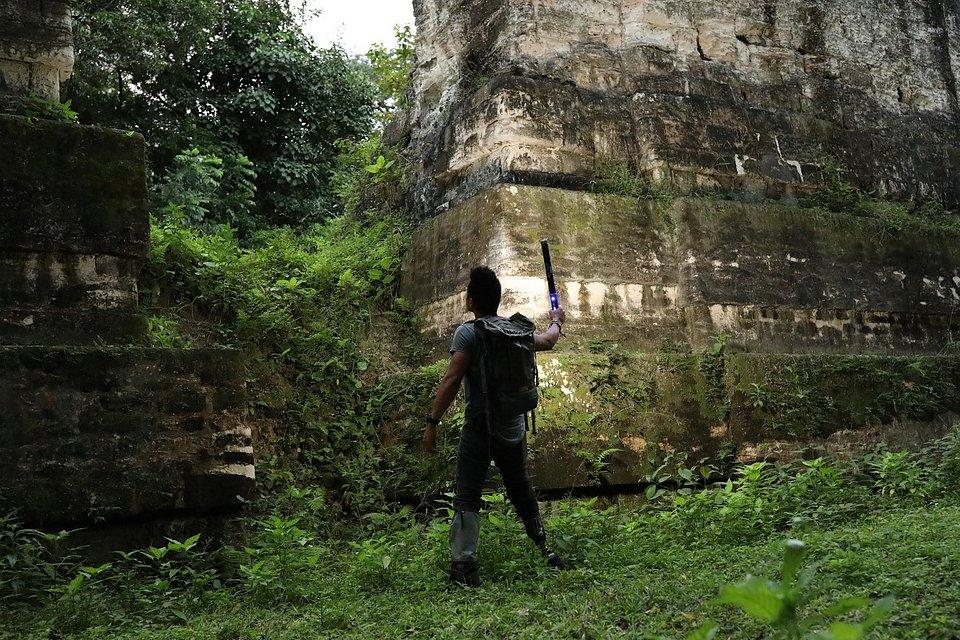 Tajemniczy świat Majów małe.jpg