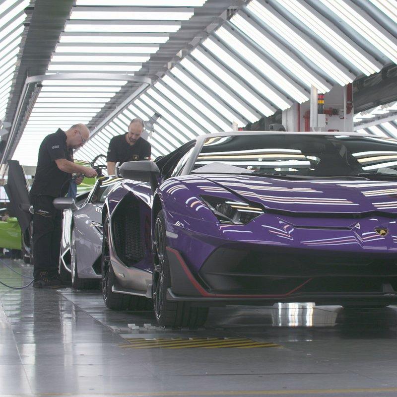 Supersamochody LamborghiniAventador 2.JPG