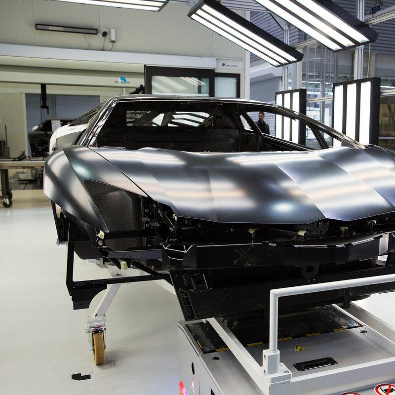 Supersamochody LamborghiniAventador 5.jpg