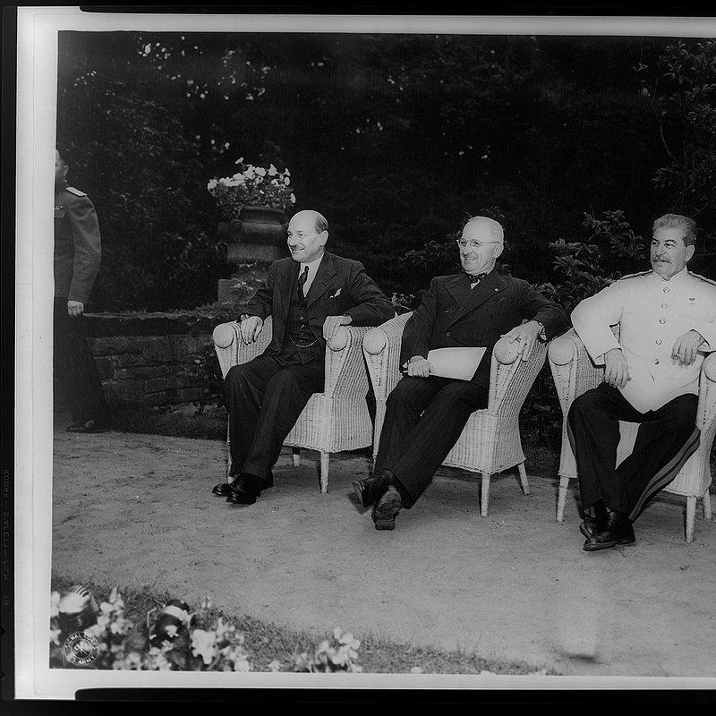 Władza i potęga - przywódcy XX wieku (8).jpg