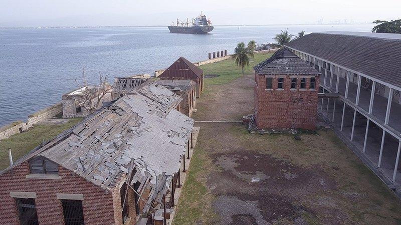 Porzucone konstrukcje Port Royal 2.jpg