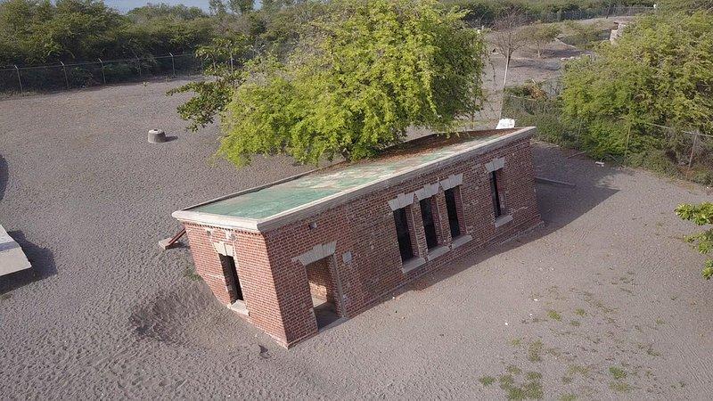 Porzucone konstrukcje Port Royal 1.jpg