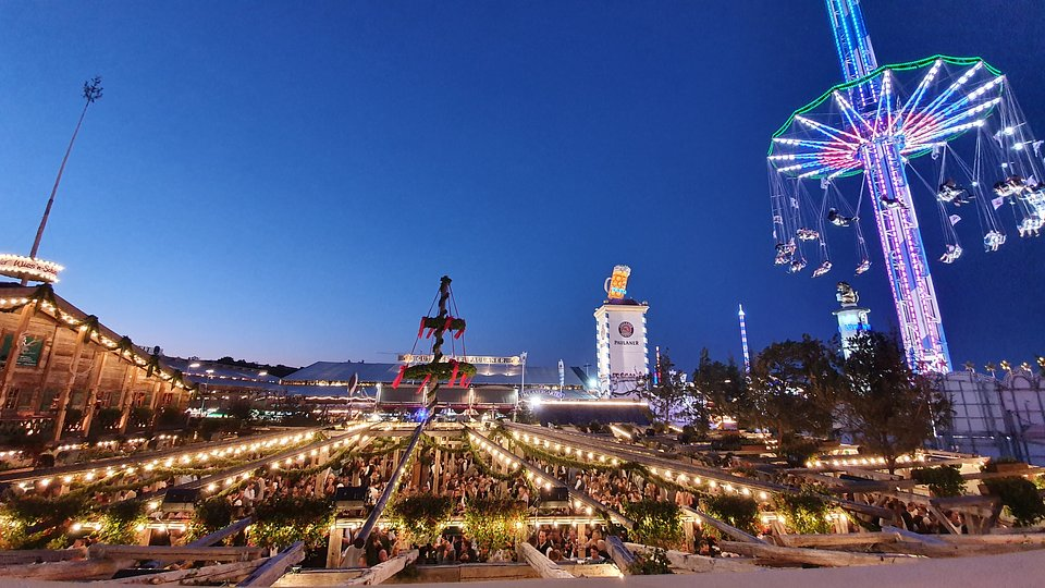 Ekspresowe budowle - Oktoberfest - National Geographic (1).jpg