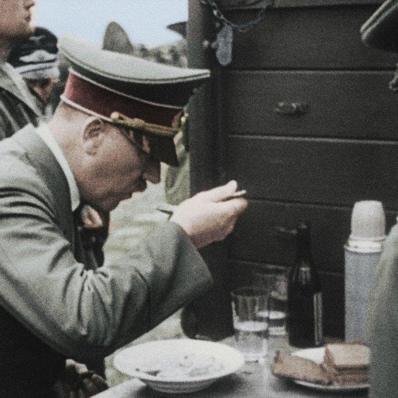 Apokalipsa Hitler uderza na Zachód_National Geographic (2).jpg