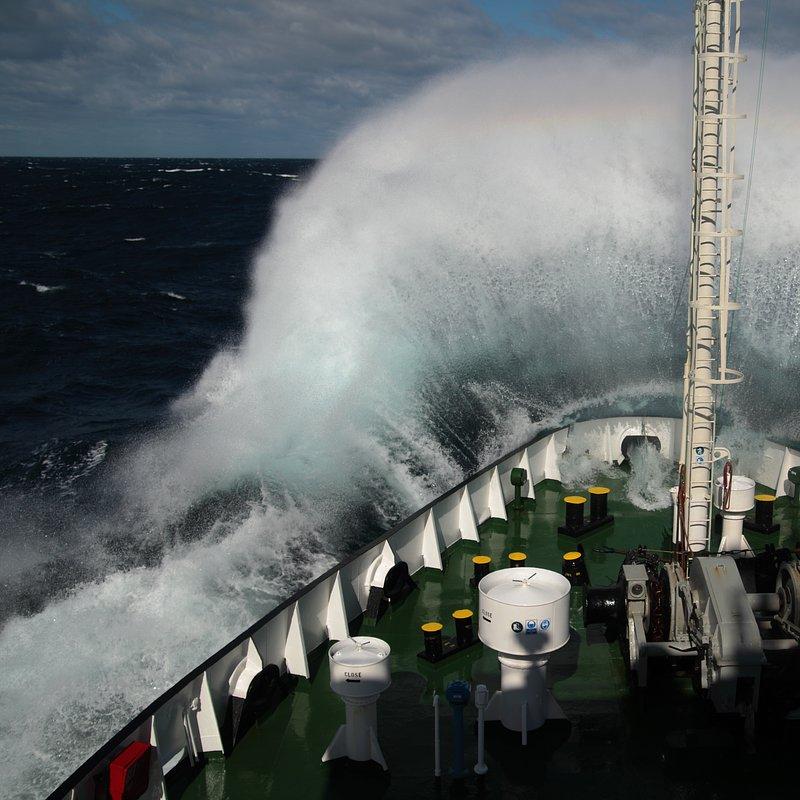 Morskie megatransporty_National Geographic (4).jpg