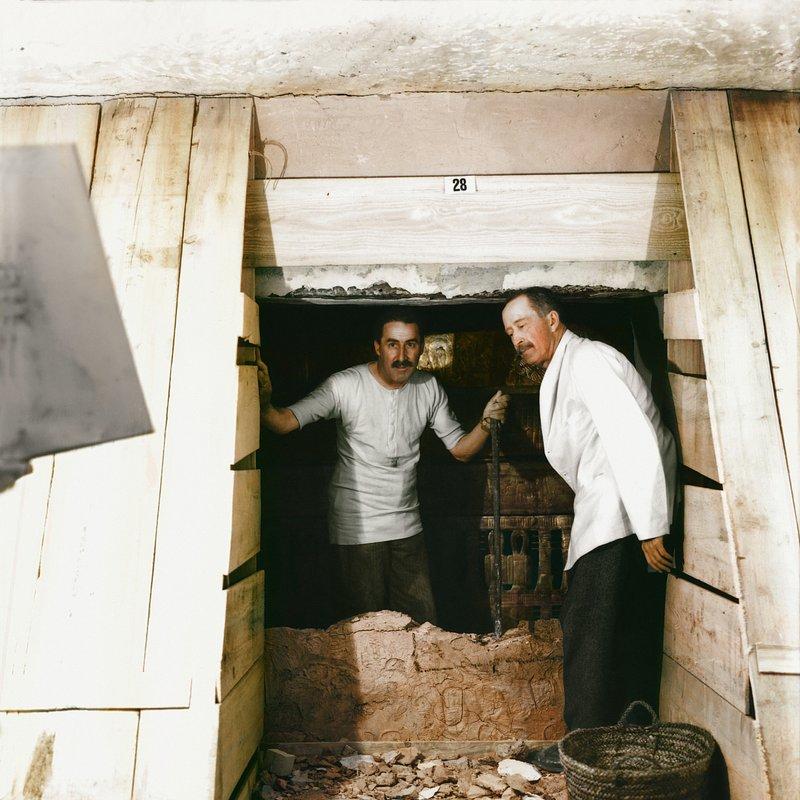 Grobowiec Tutanchamona_historia w kolorze_National Geographic (4).JPG