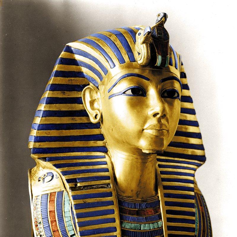 Grobowiec Tutanchamona_historia w kolorze_National Geographic (6).jpg