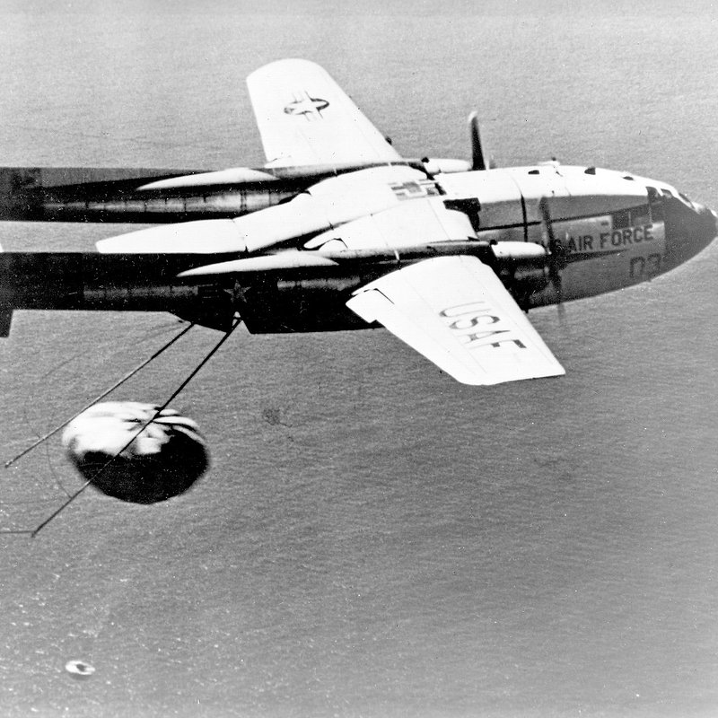 Cold_War_Tech_Race_F09_United States Airforce via Wiki Commons.jpg