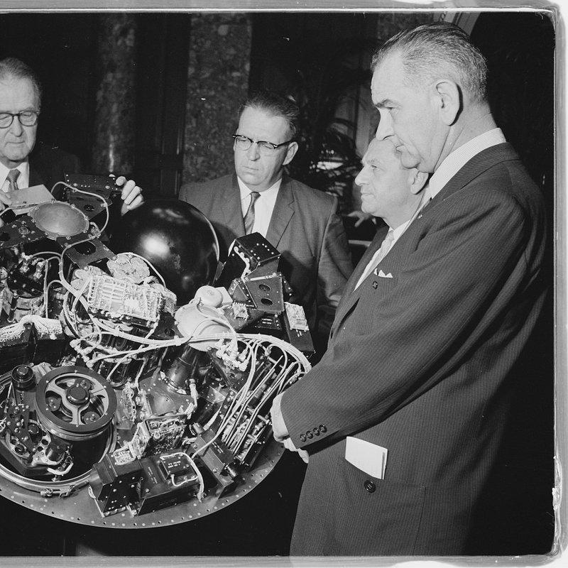 Cold_War_Tech_Race_F07_Public Domain via U.S. Library of Congress.tif