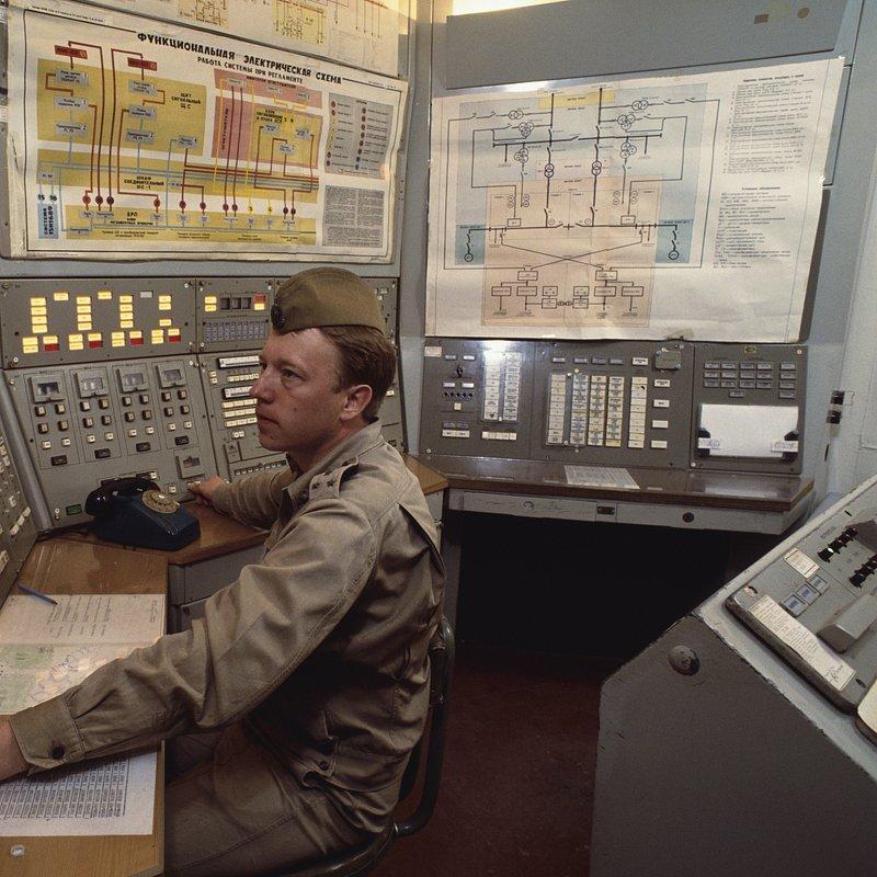 Cold_War_Tech_Race_F24_Corbis Historical via Getty Images.jpg
