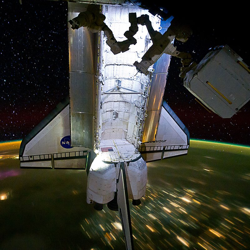 Space Shuttle Endeavour Docked to the ISS_NASA_iss028e006193-orig.jpg