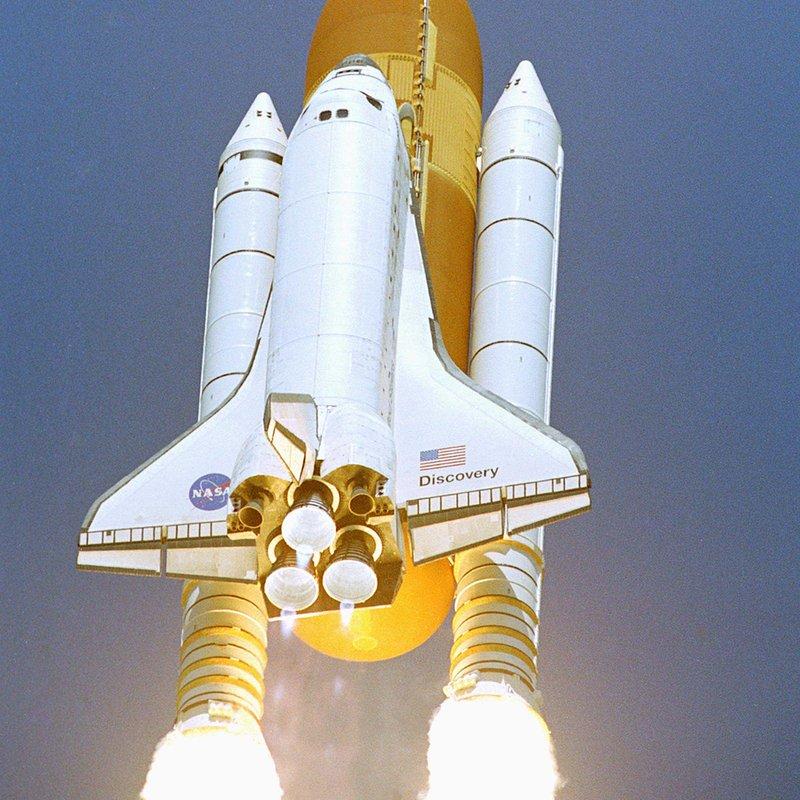 Discovery Return to Flight_NASA Photo_123704main_1771-lg.jpg