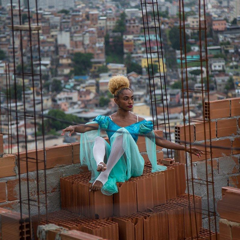 Gal Gadot i superbohaterki_National Geographic (2).jpg