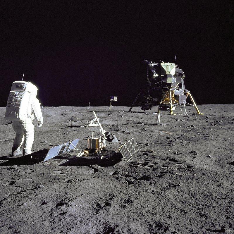 Buzz_NASA_152495main_image_feature_616b_ys_full.jpg