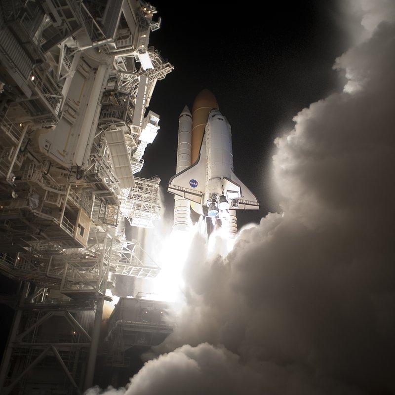 Shuttle Night Launch 1_NASA Photo Number 2010-2554.jpg
