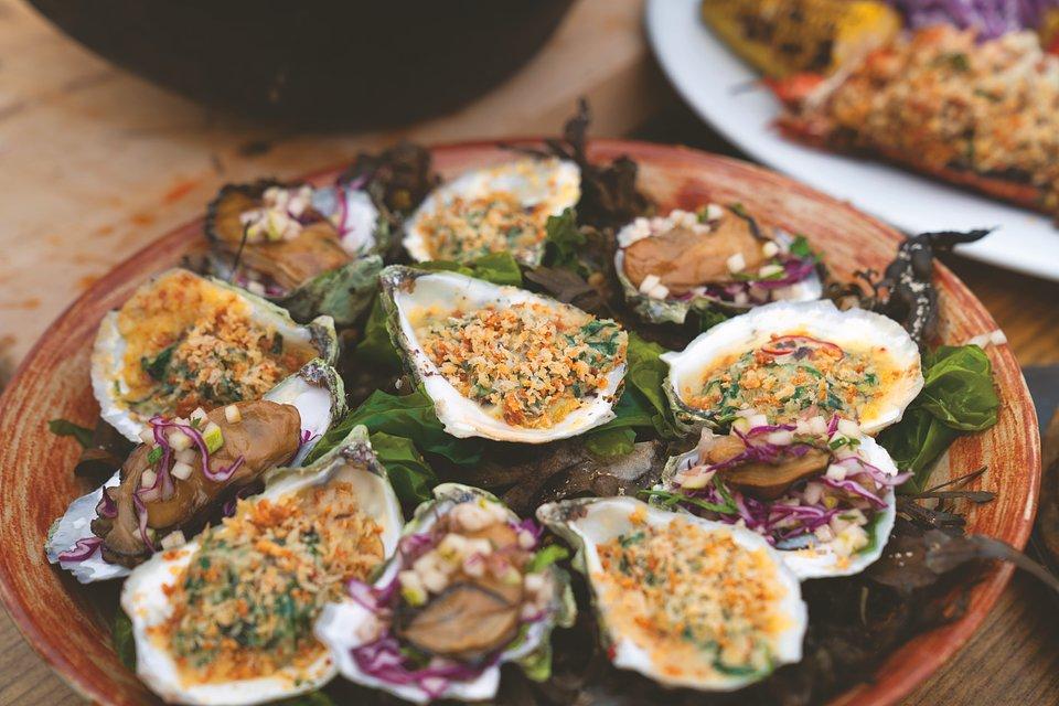 Oysters rockefeller_Ep302_Maine_GordonRamsayUncharted_09201.jpg