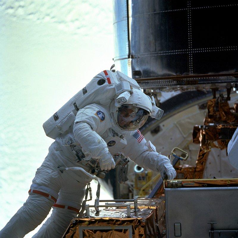 Kosmiczny wyścig 5.jpg