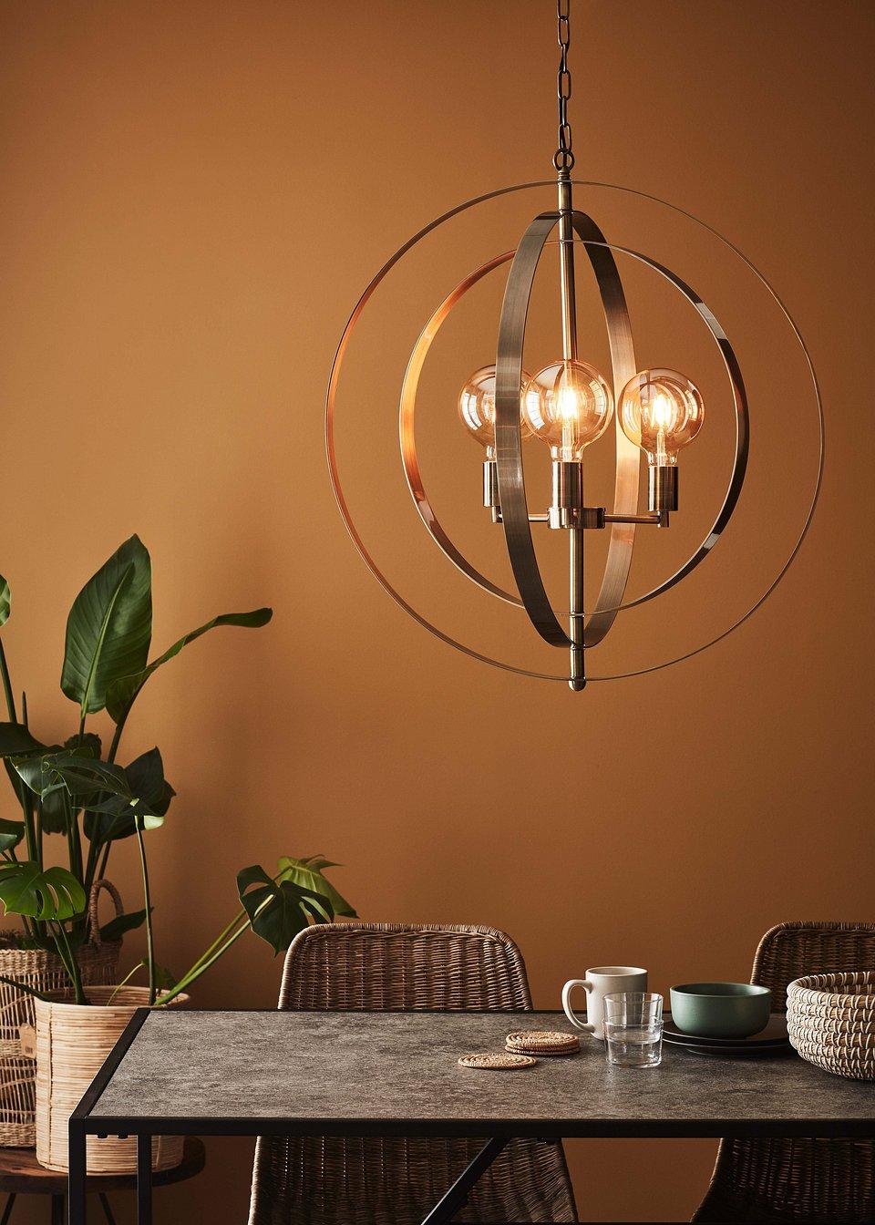 Lampa wisząca Orbit marki Markslöjd w odcieniu patyny.