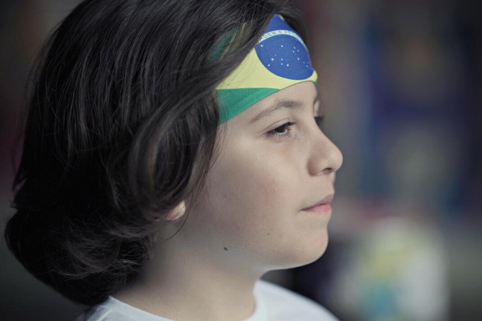 Kevin Keew graba su video musical titulado Brasileirinho (Little Brazilian) en idioma portugués, en Londres, Reino Unido.