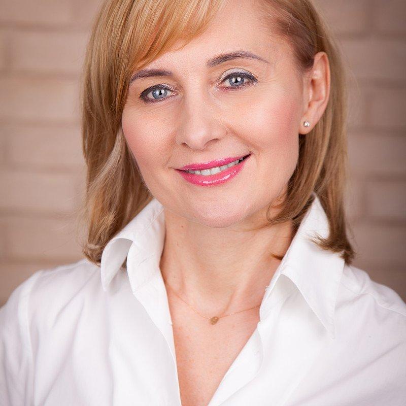 Anna_Roszewska_Dyrektor_HR_i_Administracji.jpg