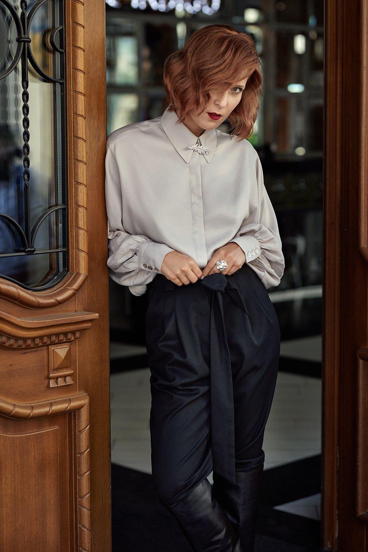 fot. Marta Wojtal. Na zdjęciu aktorka Lena Góra grająca Annę Ziembińską w serialu KRÓL.