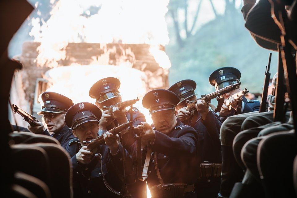 SERIAL KRÓL_ODCINEK SIÓDMY_STATYŚCI SZEREGOWI POLICJANCI_FOT. ŁUKASZ BĄK_00656.JPG