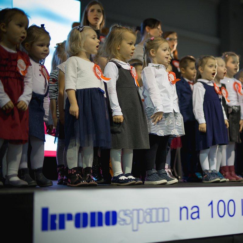 Kronospan na 100 lat Niepodległości (24).jpg