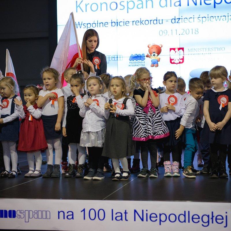 Kronospan na 100 lat Niepodległości (11).jpg