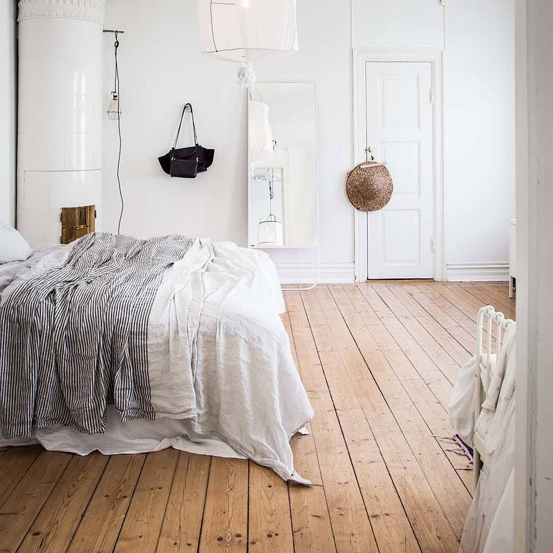 Scandinavian-Bedroom-Ideas-04-1-Kindesign.jpg