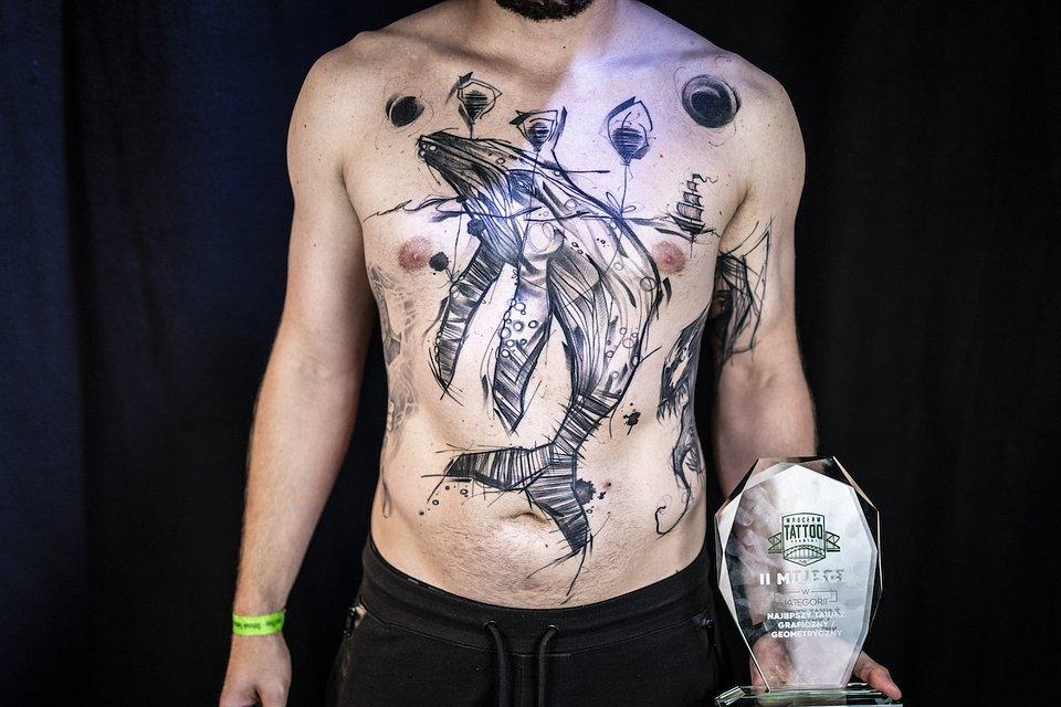 Tatuaż_geometryczny_MIEJSCE 2 ARTYSTA INES INNE TATUAZE.JPG