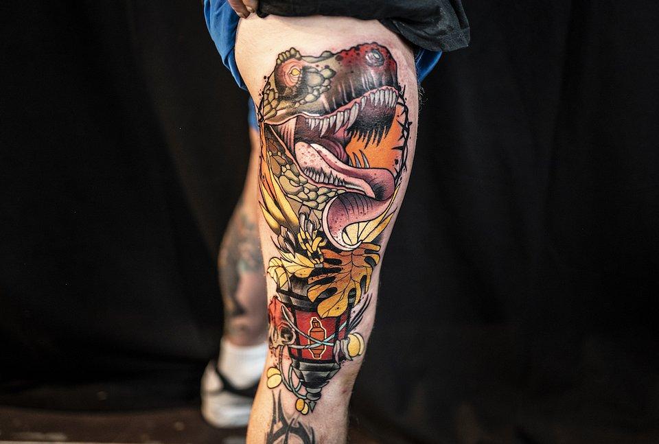 Tatuaż dwudniowy_kolaboracje_MIEJSCE 3 ARTYSTA DEEP RED CZARNE ZLOTO.JPG