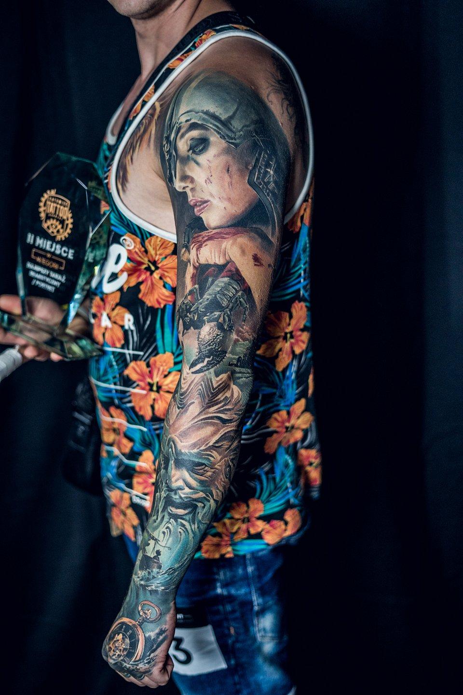 2MIEJSCE_najlepszy_tatuaz_realistyczny_portret_artysta_LEVGEN_studio_VOICE_OF_INK.jpg