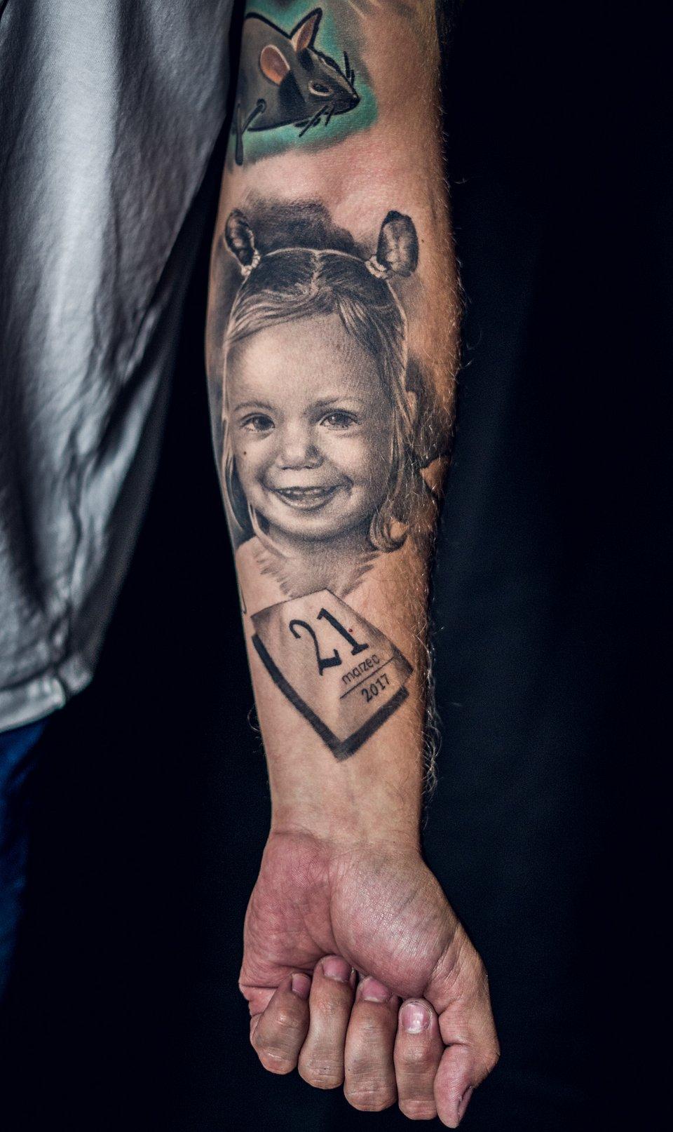 3MIEJSCE_najlepszy_tatuaz_realistyczny_portret_artysta_KUBA_studio_INKOGNITO.jpg