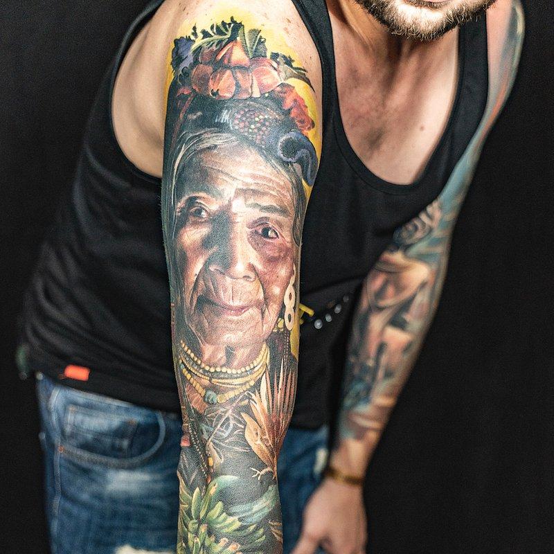 I_MIEJSCE_NAJLEPSZY TATUAZ REALISTYCZNY PORTRETb_ARTYSTA-Karol_STUDIO-Ink-Ognioto Tattoo.jpg