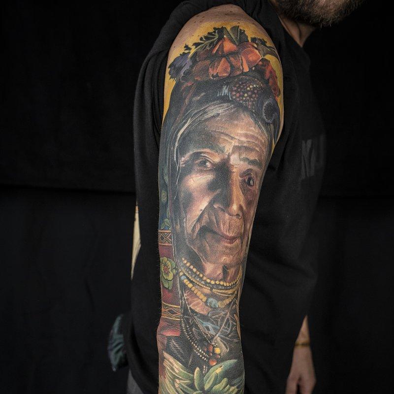 I MIEJSCE_Najlepszy Tatuaż Realistyczny_Portret1_ARTYSTA Karol Rybakowski_STUDIO_Ink-Ognito Tatto.JPG