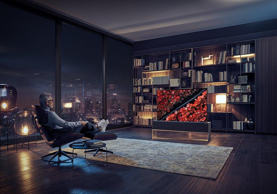 LG OLED TV R 06.jpg