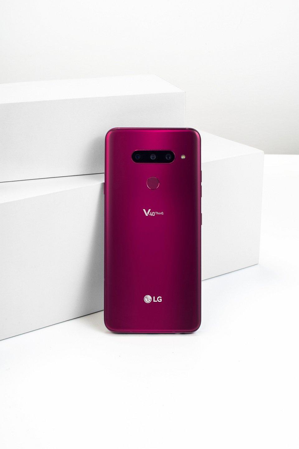 LG V40 ThinQ 006.jpg