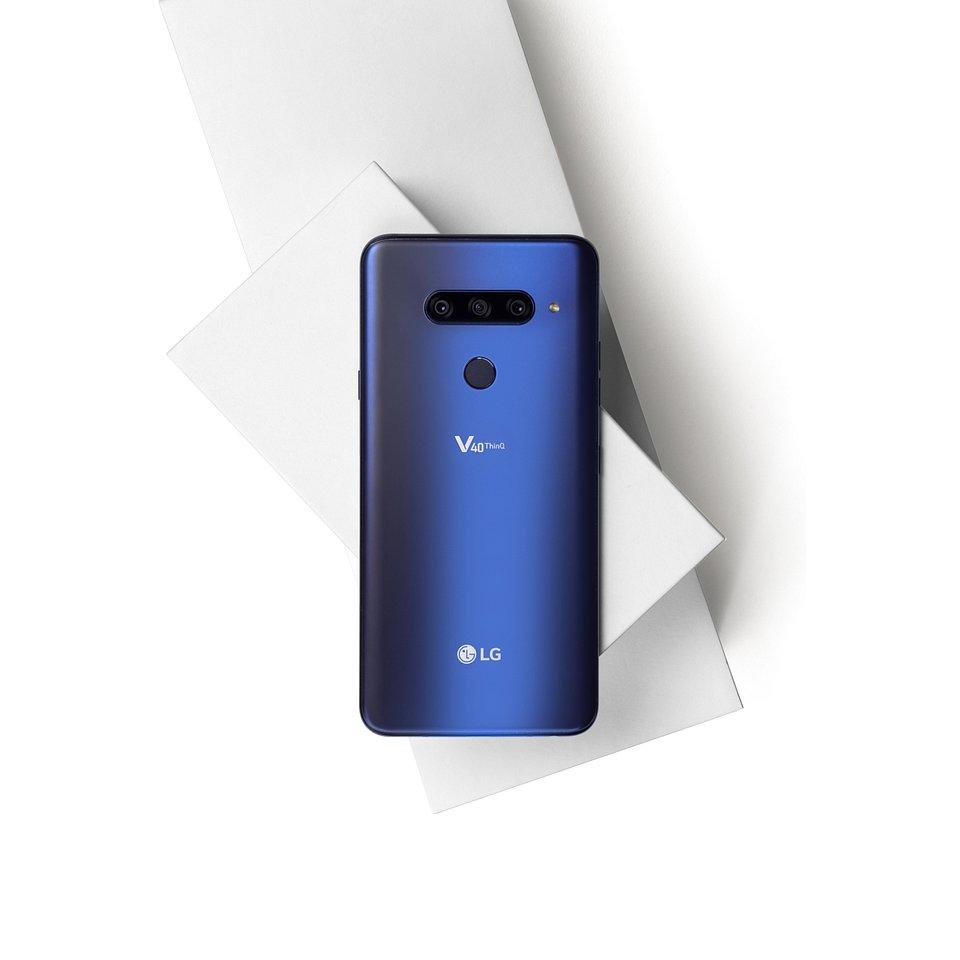 LG V40 ThinQ 005.jpg