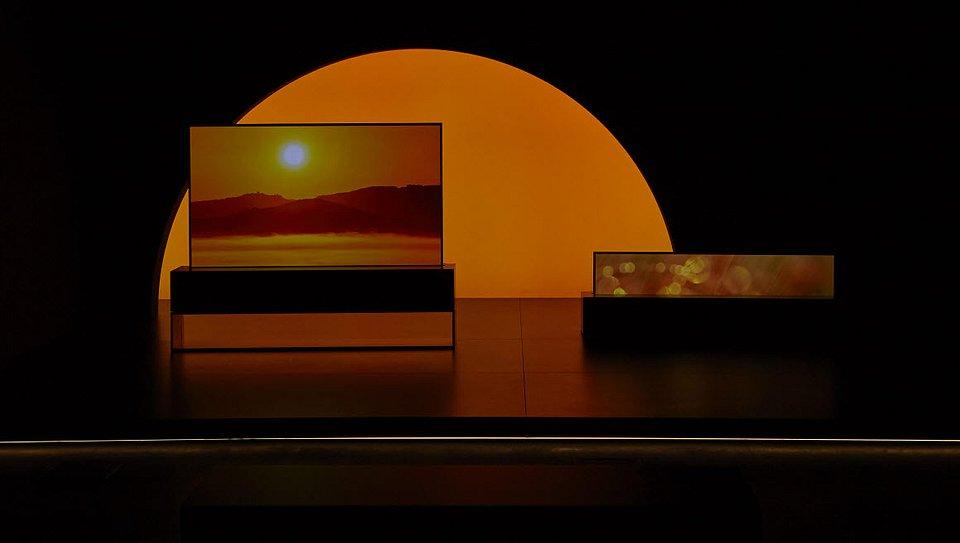 LG SIGNATURE OLED TV R_4.jpg